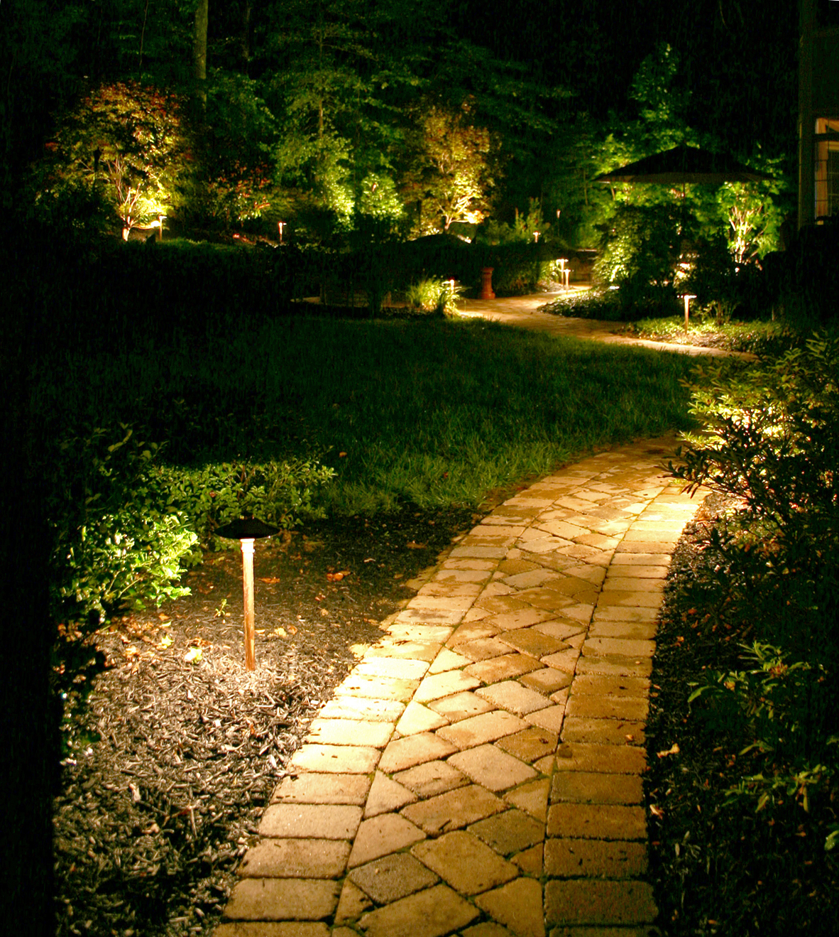 Outdoor Landscape Lighting Professional : Three common landscape lighting mistakes outdoor in